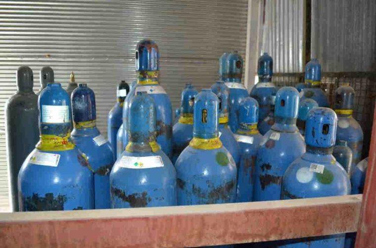 عدم کمبود کپسول اکسیژن در استان با فعالیت مستمر واحد تولید اکسیژن ساز مانشت+ گزارش تصویری